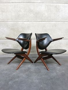 Mid century armchair lounge chairs Dutch design 'Pelican chair' for Webe by Louis van Teeffelen |