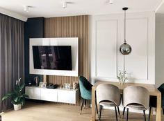 """Polubienia: 54, komentarze: 11 – Aleksandra Janiszek (@ajaniszek.architekturawnetrz) na Instagramie: """"Zdjęcia pięknej realizacji to chyba najlepszy moment pracy projektanta😍 ⠀⠀⠀⠀⠀⠀⠀⠀⠀ ⠀⠀⠀⠀⠀⠀⠀⠀⠀ To…"""" Flat Screen, In This Moment, Living Room, Blood Plasma, Flatscreen, Dish Display"""
