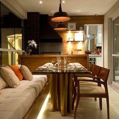 Sonhando com essa Varanda!!! ❤️ Vcs perceberam que a cozinha fica em anexo?!! Ameiii  [projeto DP Barros] #inspiração #decor #design #interiordesign #arquitetura #decoração #homedecor #papodecora #blogpapodecasada #papodecasada