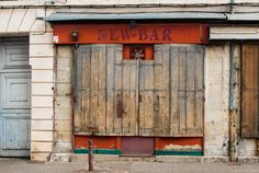 New bar. Nevers. France. Canon EOS 100D et objectif Sigma 17-50 mm.