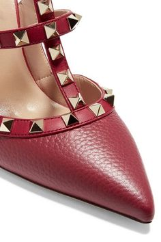 39030c35978 Valentino - Rockstud Textured-leather Pumps - Crimson