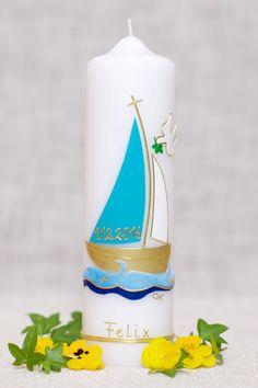 """Taufkerzen -  Taufkerze """"Blaues Segelboot"""" - ein Designerstück von Kerzenstueberl bei DaWanda Blue Candles, Pillar Candles, Fun Wedding Invitations, Birthday Invitations, Violet Pastel, Create A Fairy, Natural Hair Accessories, Winter Nails, Beautiful Patterns"""