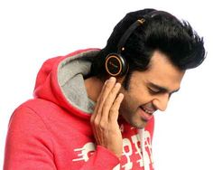"""Manish Paul to drive Lapcare products to youth. """"We wanted someone who embodied youthful zest, has a unique style and most importantly, a connect with the masses. Manish fit the bill perfectly for us, as someone who is popular across the country, yet adds a dash of much-needed freshness to the campaign."""