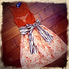 Haute Threads Boutique: Gameday Dresses.  Going to try to recreate this :)