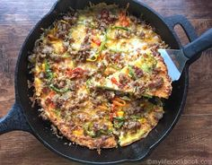 Low Carb Breakfast Pizza - only 2.1g net carbs. Perfect breakfast, lunch or dinner.
