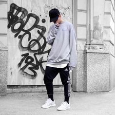 3 Gracious Simple Ideas: Urban Fashion For Men Blazers urban fashion summer white dress.Urban Fashion Photoshoot Inspiration urban wear for men winter. Modest Winter Outfits, Winter Outfits Men, Men Looks, Men Street, Street Wear, Moda Hipster, Urban Fashion, Mens Fashion, Mode Man