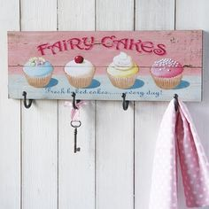 Shabby chic accessories are a stylish way to add finishing touches to any home. Country Kitchen Accessories, Shabby Chic Accessories, Vintage Wood, Vintage Home Decor, Shabby Chic Hooks, Wood Crafts, Diy And Crafts, Diy Y Manualidades, Cupcake Art