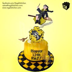 Hufflepuff Cake_Harry Potter Cake_Yellow_Black_House Crest_Hogwarts_Flying Witch_Wizard_Owl_Fly_Broomstick_Magic_Cup 1