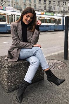 How to Wear: The Best Casual Outfit Ideas Paris Outfits, Winter Fashion Outfits, Fall Winter Outfits, Look Fashion, Womens Fashion, Feminine Fashion, Latest Fashion, Fashion Trends, Best Casual Outfits