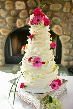 Lime Green and Pink Wedding Cake Wrapped in White Chocolate Beautiful Wedding Cakes, Gorgeous Cakes, Pretty Cakes, Amazing Cakes, Torte Rose, Cake Roses, Cake Flowers, Wedding Cake Designs, Cake Wedding