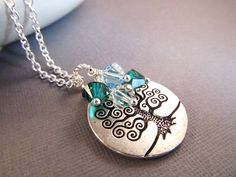 Personalized Mom Necklace, Pendant Necklace with Birthstones, Personalized Jewelry, Family Tree Necklace, Tree of Life, Birthstone Necklace