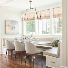 Explore the Kara Cox Interiors client portfolio for to view the Sunset Project. Banquette Seating In Kitchen, Kitchen Benches, Dining Nook, Kitchen Nook, Dining Room Design, Corner Banquette, Kitchen Booths, Banquette Bench, Eat In Kitchen