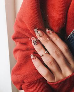 71 Fall Nail Designs to Fall in Love with: Fall Nails to Inspire 5 practical ways to apply nail polish without errors Es ist fast eine Prüfung, Nagellack r Cute Acrylic Nails, Cute Nails, Pretty Nails, Cute Fall Nails, Matte Nail Art, Fall Nail Art, Minimalist Nails, Hair And Nails, My Nails