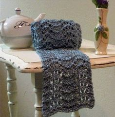 golden bird knits: Blue bamboo scarf knitting pattern