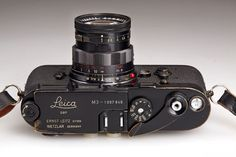 Leica M3 black paint with matching black paint Summicron 2/50 mm, 1964