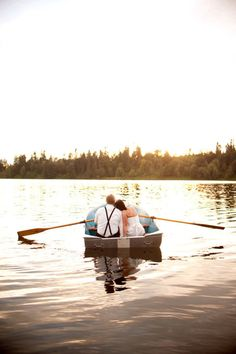 Rowboat. Photography by michellelanaphotography.ca