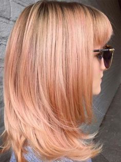 Black Roots & Pinkish Streaks ❤ Strawberry blonde hair is a gorgeous blend of soft pink or red hues and blondes. Check out the hottest shades of strawberry blonde. Ombre Blond, Balayage Hair Blonde, Blorange Hair, New Hair, Rose Gold Hair, Pink Hair, Peach Hair Colors, Blonde Hair Looks, Hair Streaks