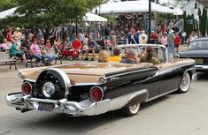 1959+galaxy | 1959 Ford Galaxie Skyliner convertible hardtop | Flickr - Photo ... Ford Galaxie, 50s Cars, Ford Vehicles, Collectible Cars, Ford Shelby, Ford Classic Cars, Unique Cars, Car Ford, Ford Motor Company