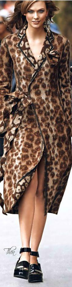 Karlie Kloss for Neiman Marcus Art of Fashion Catalog♔PM Leopard Fashion, Animal Print Fashion, Fashion Prints, Animal Prints, Fashion Design, Fashion Models, High Fashion, Glamour, Fashion Catalogue