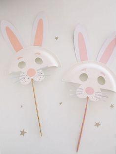Osterhase /// DIY Pappteller Tiermasken - kroliki - DIY and Craft Crafts For Kids To Make, Easter Crafts For Kids, Art For Kids, Craft Kids, Easter Ideas, Bunny Crafts, Paper Plate Crafts, Paper Plates, Paper Napkins