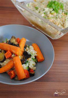 Gemüse-Pilaf mit Kreuzkümmeldressing   http://sweetpie.de/2015/04/15/gemuse-pilaf-mit-kreuzkummeldressing-buchvorstellung-zu-gast-in-marokko/