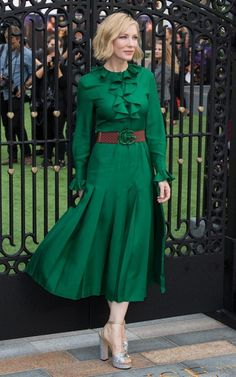 Cate Blanchett Midi Dress - Cate Blanchett looked ladylike in a long-sleeve green midi dress with ruffle detailing at the world premiere of 'The House with a Clock in Its Walls. Elegant Dresses, Cute Dresses, Vintage Dresses, Beautiful Dresses, Casual Dresses, Fashion Dresses, Sexy Dresses, Pink Dresses, Summer Dresses