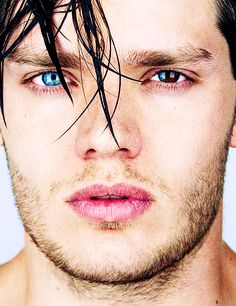 Dominic Sherwood and his sectoral heterochromia. Hypnotic