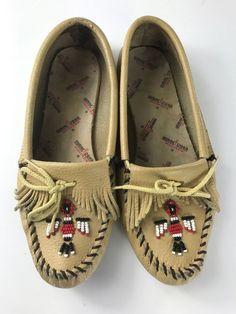 da0077b6f Minnetonka Thunderbird Beaded Loafers Size 9 Leather  fashion  clothing   shoes  accessories
