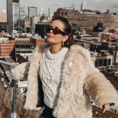 Sara Escudero (@collagevintage) • Fotos y videos de Instagram Collage Vintage, Fur Coat, Instagram, How To Wear, Jackets, Fashion, Down Jackets, Moda, Fashion Styles