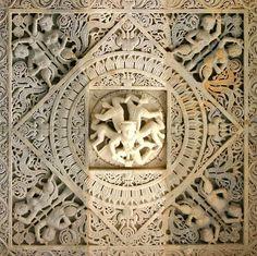 Indian Temple Architecture, Religious Architecture, Ancient Architecture, Art And Architecture, Marble Carving, Stone Carving, Ancient Art, Ancient History, Jain Temple