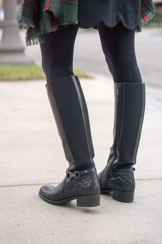 3 Must Have Boots for Fall | Fall boots, fall ankle booties, fall rain boots, Tory Burch rain boots, Aquatalia waterproof black boots brown boots, Hunter rain boots, Vince Camuto Franell, Sheec socks, Fall season, Petite fashion & style blog