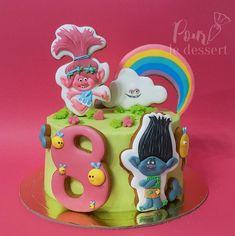 Утро выходного дня, ТЫ ПРЕКРАСНО!!! На кухне идиллия, дети едят кашу под аккомпанемент Свинки Пеппы) А на фото самый редкий гость на моей страничке- торт) 😀
