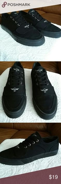 Creative Recreation MEN SIZE 10.5 & WOMEN 12 Worn about 4 or 5 times and in near new condition. A beautiful black simple and nice for your casual wear. Creative Recreation Shoes Sneakers