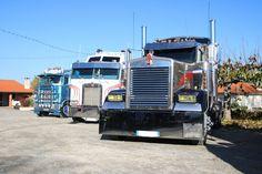 Camions américains lors du Téléthon à Saint-Sauveur
