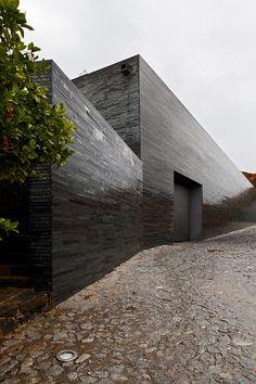 HIC*: Menos é Mais | Adega da Quinta do Vallado  by Guedes + de Campos, Portugal