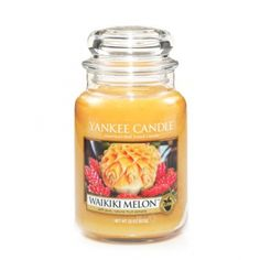 Yankee Candle Housewarmer Jar Waikiki Melon-Wake up to the sunny, sweet glow of exotic, juicy melons with a touch of sweet orange oil. Scented Candles, Candle Jars, Yankee Candles, Candle Holders, Candle Accessories, Best Candles, Gift Store, Food, Touch