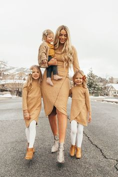 Mommy And Me Dresses, Mommy And Me Outfits, Little Girl Dresses, Kids Outfits, Unisex Outfits, Family Picture Outfits, Matching Family Outfits, Fall Family Photo Outfits, Look Fashion