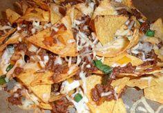 Nachos mit Hackfleisch und Käse überbacken