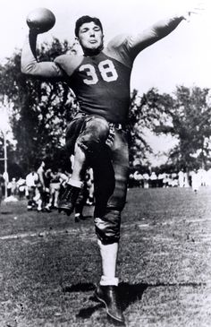 Arnie Herber - Class of 1966 Go Packers, Packers Football, Greenbay Packers, Football Photos, Football Cards, Green Bay Packers History, Nfl Hall Of Fame, Sports Pictures, American Football