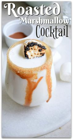 This roasted marshmallow cocktail recipe is one of my favorites ever, and it's so easy! Doesn't it look heavenly?