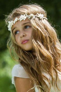 Intronisation Felipe VI: une coiffure tressée pour la princesse Leonor - L'Express Styles