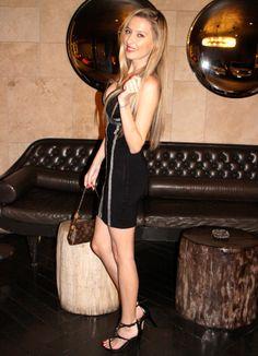 De party rock por Los Angeles 13-4-2014  Dress: Motufashion / Sandals: Guess / Jecket: Guess / Bag: Louis Vuitton