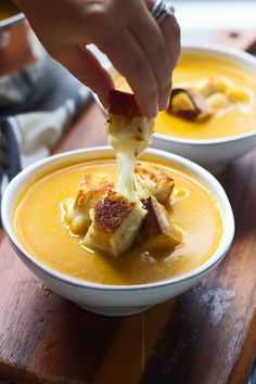 dark blue, autumn main Butternut Squash, Apple Cider and Cheddar Soup with Roasted Garlic Cheddar Grilled Cheese Croutons - Cooking for Keeps Fall Recipes, Soup Recipes, Cooking Recipes, Dinner Recipes, Dinner Ideas, Food Network, Queso Fundido, Roasted Garlic, Soup And Salad