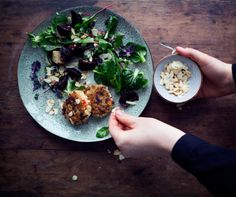 MADE BY MARY: slow cooking and healthy Swedish blog // feta cheese steaks with zeta-orzo mix, caramelized onions and spinach