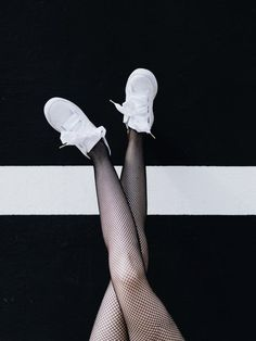 Black  Noir et blanc - Baskets Puma Heart -  Collants résille Pimkie -  Black and white - Puma Heart sneakers - Pimkie fishnet tights  Look outfit tenue style mode fashion femme woman 2017 Fashion Tights, Sneakers Fashion, Girls Sneakers, Adidas Sneakers, Puma Heart, Fashion Mode, Womens Fashion, Mode Glamour, Preety Girls