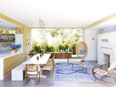 A refreshing take on open concept. ☀️ Sunlight and energy flow generously through this casual modern summer house.