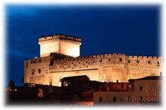 Sermoneta has changed little since its medieval conception, and the enormous fortress of Caetani Castle looms over and dominants the town and the valley below