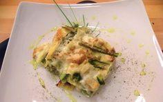Lasagne agli asparagi con besciamella - Ecco un primo piatto che potrete inserire nel menu domenicale ma anche servire per una festività importante: le lasagne di asparagi con besciamella