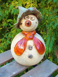 Schneemann Keramik Unikat Gartenkeramik von Terra-Cottage auf DaWanda.com