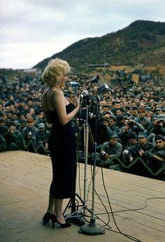 Marilyn Monroe sings for the troops, 1954